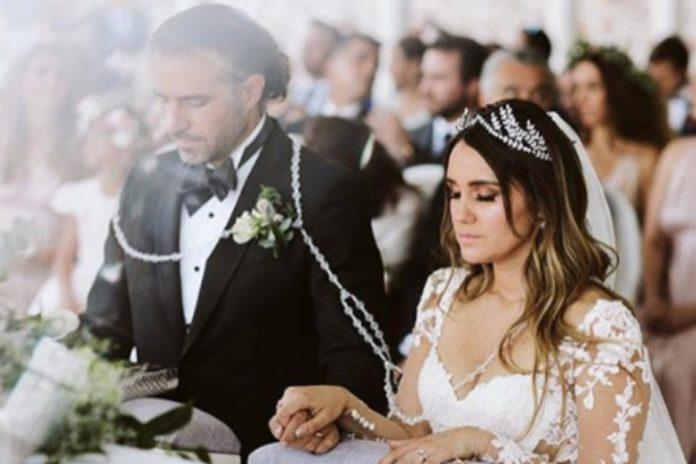 https://heraldodemexico.com.mx/escena/dulce-maria-deja-ver-al-completo-los-vestidos-que-uso-en-su-boda-fotos/